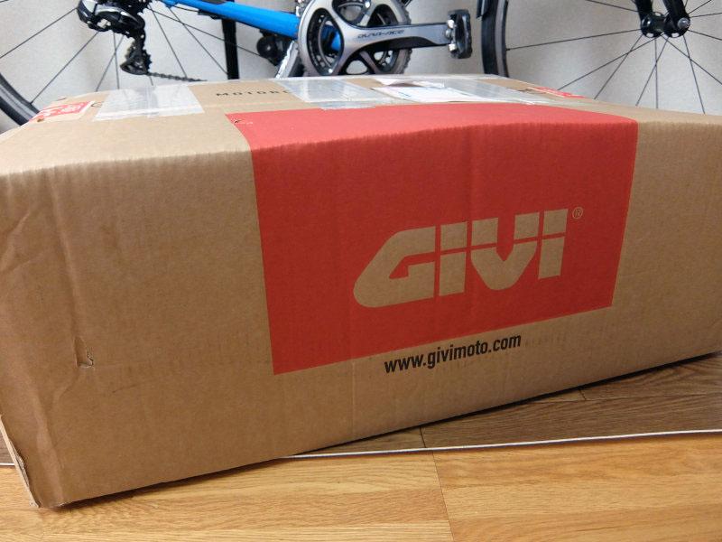 トレーサーにGivi SR2122とPLR2122を取り付け完了デス